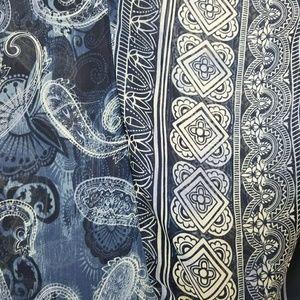 dressbarn Tops - Dressbarn 1x paisley boho blouse
